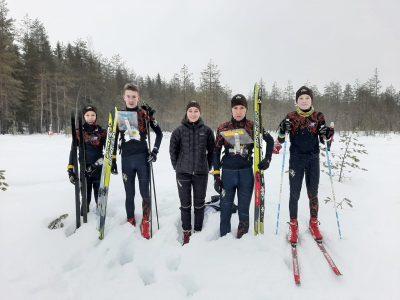 Par spīti neesošajai ziemai Ogres ziemas orientieristi gan trenējas, gan labi sartē sacensībās.