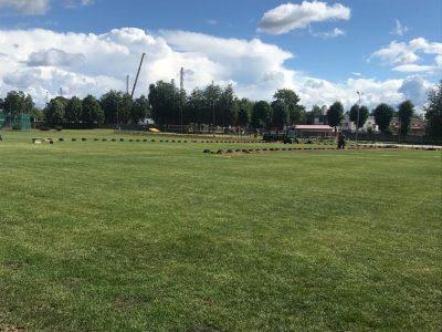 Ogres novada sporta centrā laukumā ierīko automātiskās laistīšanas sistēmas